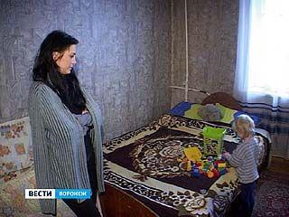Мальчика, которого родители потеряли на улице, вернули в семью