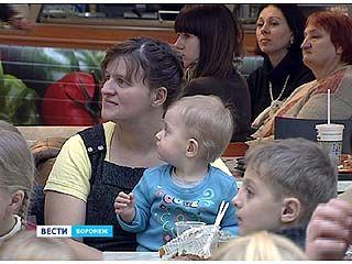 """Мамин выходной"" - акция под таким названием прошла в ""Центре Галереи Чижова"""