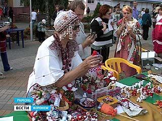 Мастера народной игрушки со всей страны съехались в Рамонь