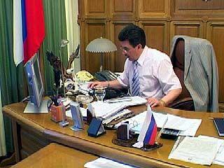 Мэр Борис Скрынников каждый четверг ведет прием горожан по телефону