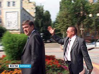 Мэр Сергей Колиух проверил, как идёт ремонт воронежских дворов