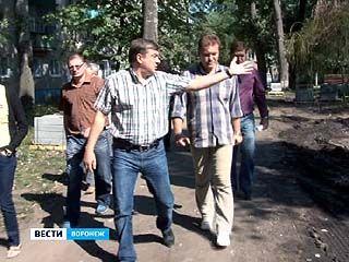 Мэр Воронежа проверил, как идёт реконструкция основных городских точек