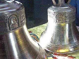 Митрополит Сергий освятили колокола в храме Подгорного
