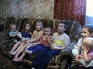 Многодетная семья: клубок проблем, но главное - все равно дети