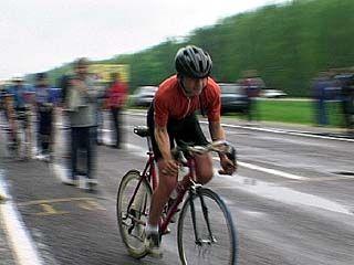 Молодые велосипедисты провели соревнования