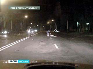 Мотоциклист сбил на переходе двух человек: женщина скончалась на месте