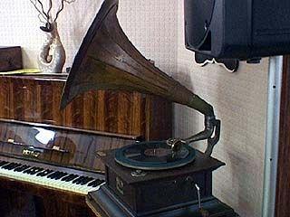 """Музыкальные инструменты тоже нуждаются в """"лечении"""""""
