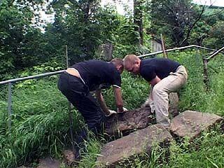 На Бархатном бугре демонтировали лестницу из могильных плит