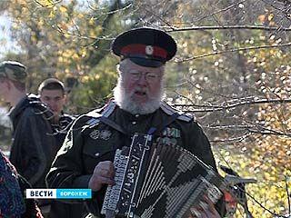 На Казачьем спасе воронежцев учили драться на ножах и петь вольные песни