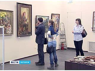 """На Кирова открылась ежегодная выставка """"Весенний Вернисаж"""""""