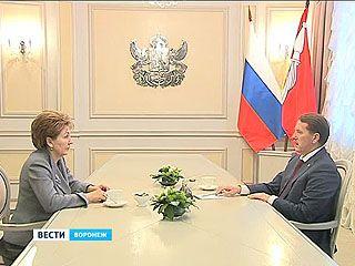На личной встрече Алексей Гордеев и Галина Карелова обсудили вопросы здравоохранения
