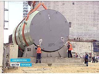 На НВАЭС-2 приступили к монтажу корпуса реактора первого энергоблока
