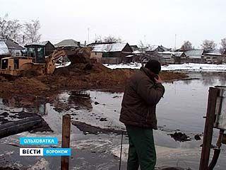 На Ольховатском сахарном заводе произошла утечка 3,5 тысяч тонн патоки