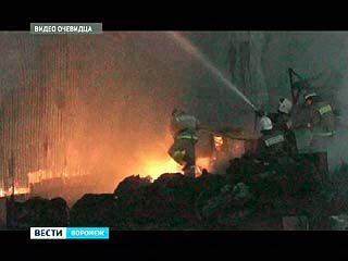 На перерабатывающем предприятии выгорела площадка для обработки каучуковой стружки