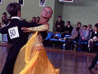 На первенстве России по спортивным танцам победила пара из Нижневартовска