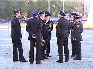 На площади Ленина отрепетировали праздничное шествие в честь Дня победы