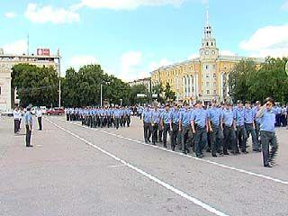 На площади Ленина состоялся смотр подразделений УВД Воронежа