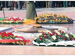 На площади Победы 23 февраля состоялось возложение венков