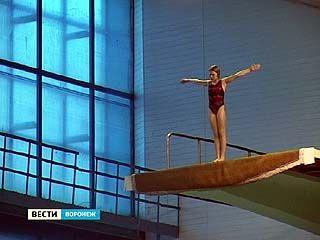 На соревнованиях по прыжкам в воду основная борьба развернулась между воронежскими прыгунами