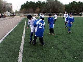 На стадионе ВВАИУ прошел детский футбольный турнир