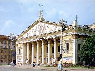 На сцене Оперного театра выступил хор Московского Сретенского монастыря