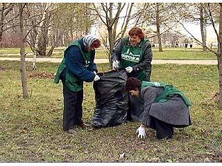 """На территории спортивной базы """"Олимпик"""" проведена уборка мусора"""
