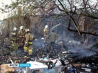 На улице Пешестрелецкой дотла сгорел частный дом