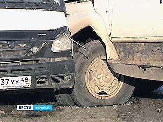 На Вогрэсовском мосту произошло два ДТП с участием шести машин