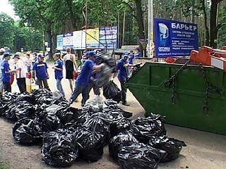 Начался масштабный вывоз мусора из Центрального района Воронежа