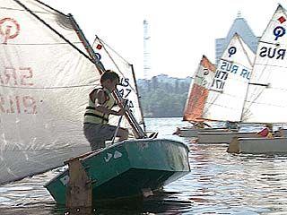 Начинающие яхтсмены приняли участие в соревнованиях