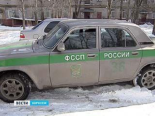 """Налоговики и судебные приставы """"обрушились"""" на неплательщиков транспортного налога"""
