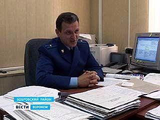 Неизвестные похитили более 80 экспонатов из краеведческого музея в Боброве