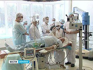 Немецкий хирург проводит в Воронеже мастер-класс по восстановлению слуха