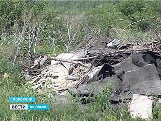 Несанкционированная свалка в Поворино, по слухам, санкционирована местными чиновниками
