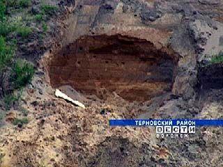 Незаконная добыча песка ведется в Терновке