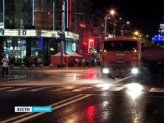 Ночной Воронеж после 9 мая скребли и мыли 73 единицы спецтехники