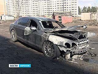 """Ночью в Воронеже сгорел """"Bentley"""""""