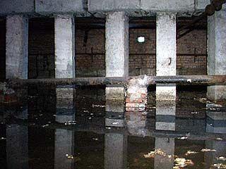 Одна из воронежских многоэтажек стоит на воде