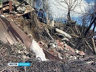 Огороды по улице Красненькой обследовала комиссия ГО и ЧС