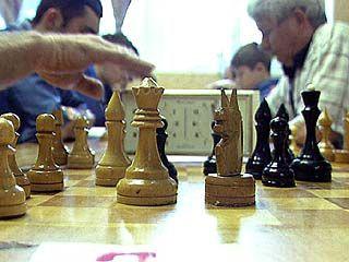 Около 50 спортсменов сражались за шахматными досками