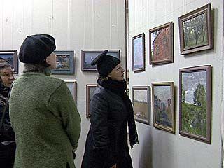 Около 90 работ Павла Утицких представлено на выставке
