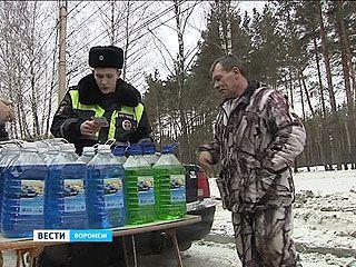 Опасную жидкость для очистки стекол искали полицейские на обочинах дорог
