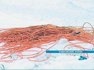 Оранжевый шнур тянется вдоль трасс Воронежской области