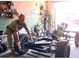 Отец и сын Усачевы восстанавливают ГАЗ-67Б