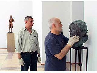 Открылась выставка Анатолия Бичукова
