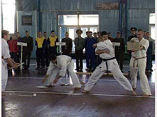Открылся чемпионат России по офицерскому троеборью