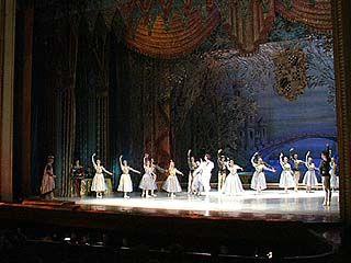 """Открылся фестиваль балета """"Классика и Современность"""""""