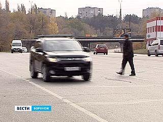 Переходить улицу на перекрёстке Пешестрелецкой и Героев Сибиряков действительно опасно