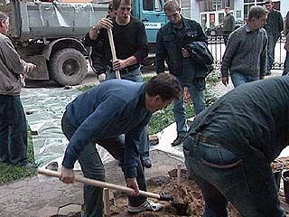 Первые лица города стараются выполнить обещание Безрукову