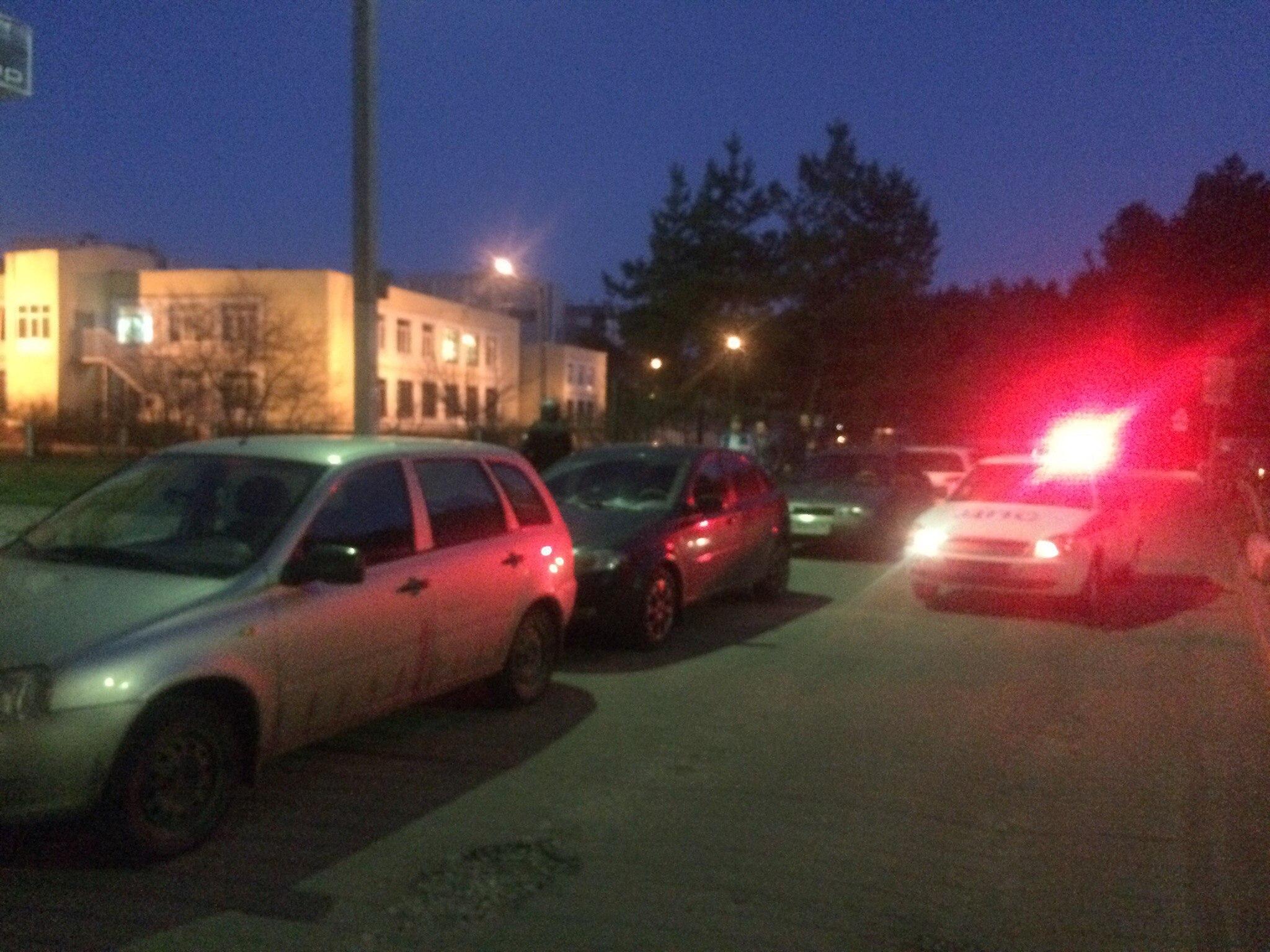 Очевидцы: воронежец устроил стрельбу во дворе жилого дома